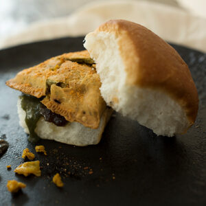 Chicken Keema Samosa Pav